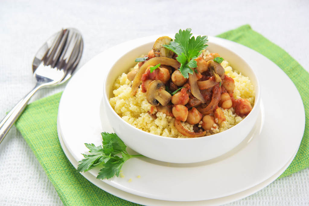 Couscous mit Champignons und Kichererbsen