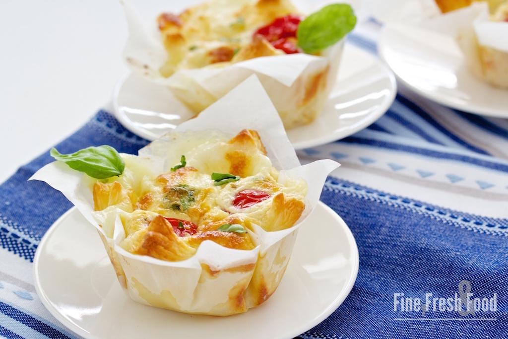 Tomate-Mozzarella-Blätterteig-Körbchen