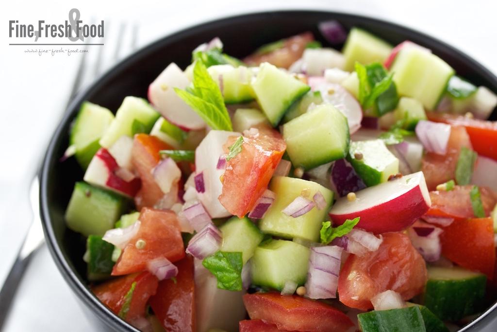Tomaten-Radieschen-Salat